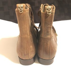 """Betsy Johnson Women's Brown Boots """"Ollie"""" Zip"""
